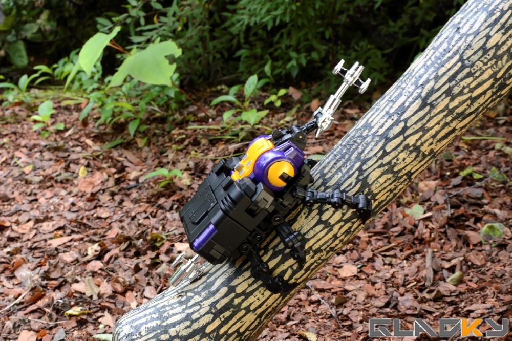 Fans Toys Grenadier MP Bombshell (31)