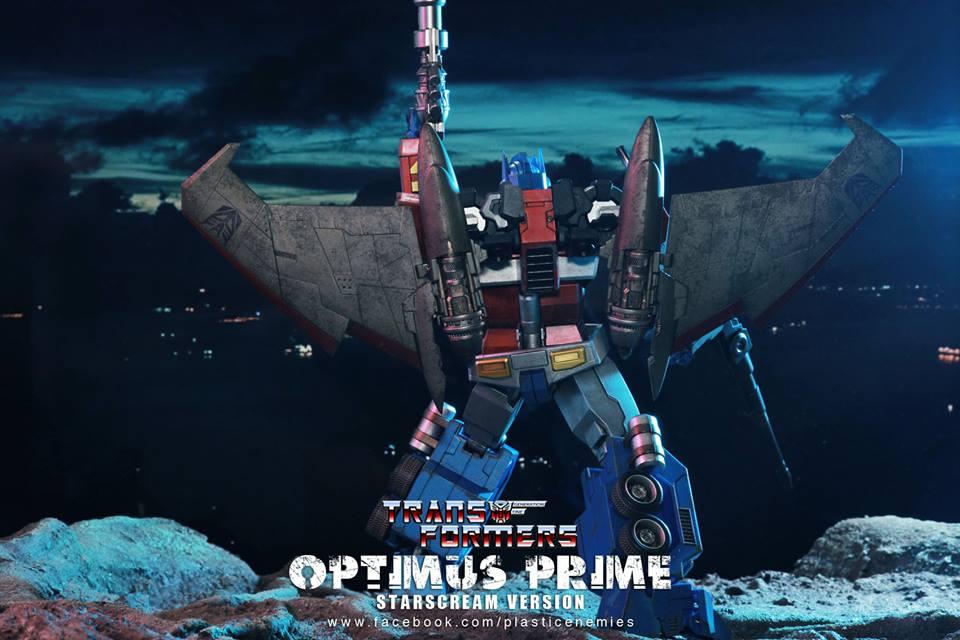 Hot-Toys-Optimus-Prime-10