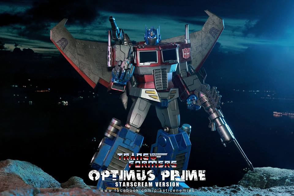 Hot-Toys-Optimus-Prime-11