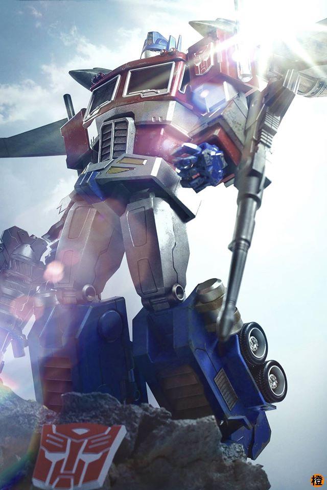 Hot-Toys-Optimus-Prime-12