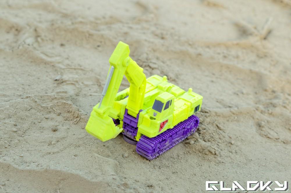 Transformers Combiner Wars Scavenger altmode