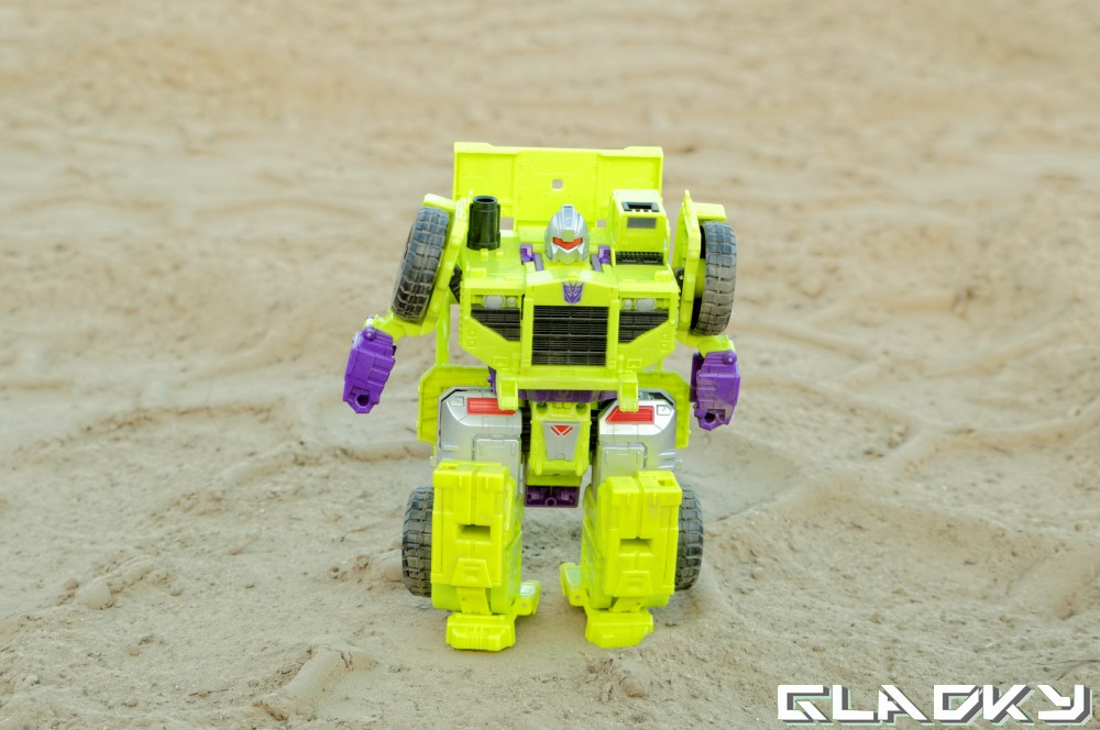 Transformers Combiner Wars Long Haul robotmode