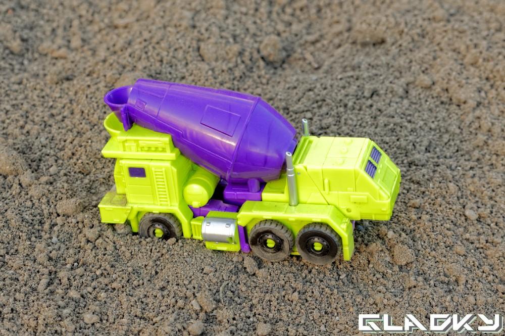 Transformers Combiner Wars Mixmaster altmode