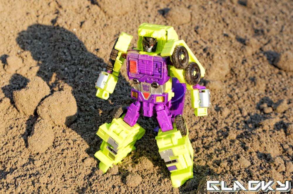 Transformers Combiner Wars Mixmaster robotmode