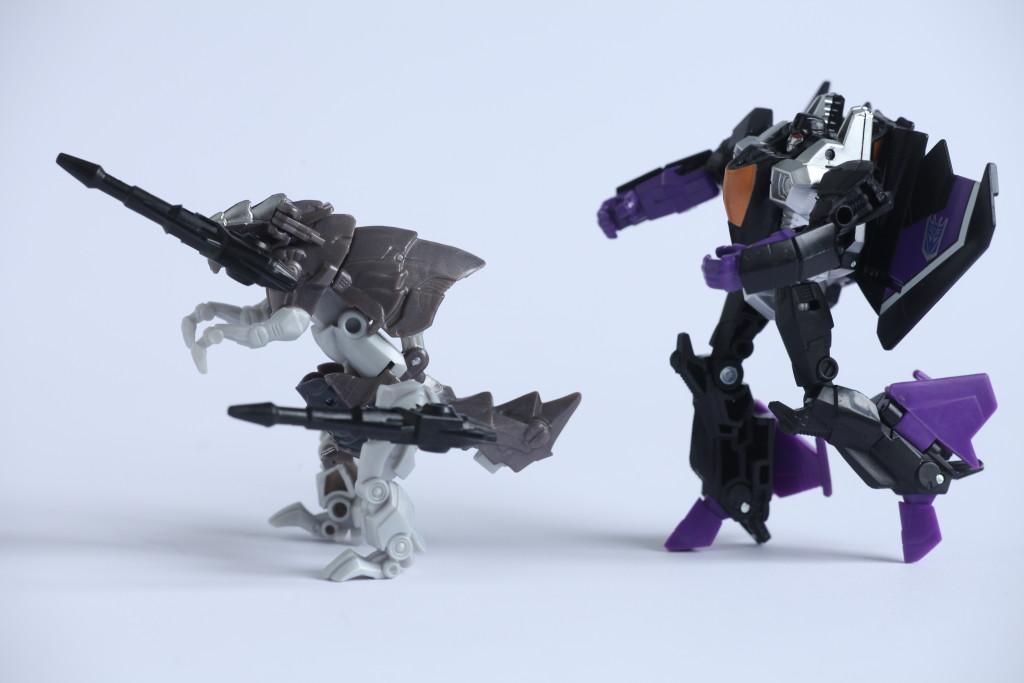 Transformers The Last Knight Grimlock vs Combiner Wars Skywarp