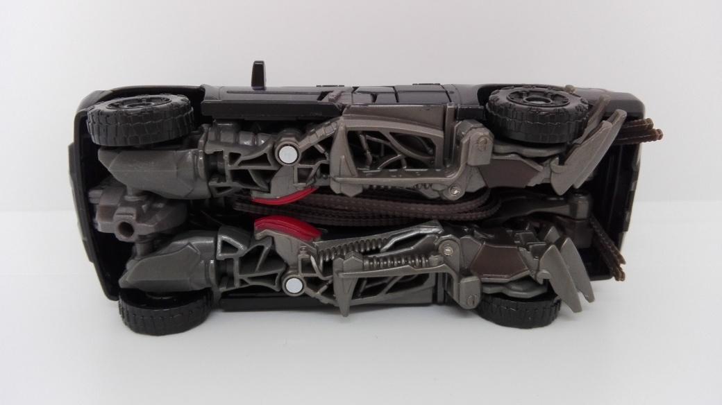 Transformers Studio Series Crowbar altmode-underside