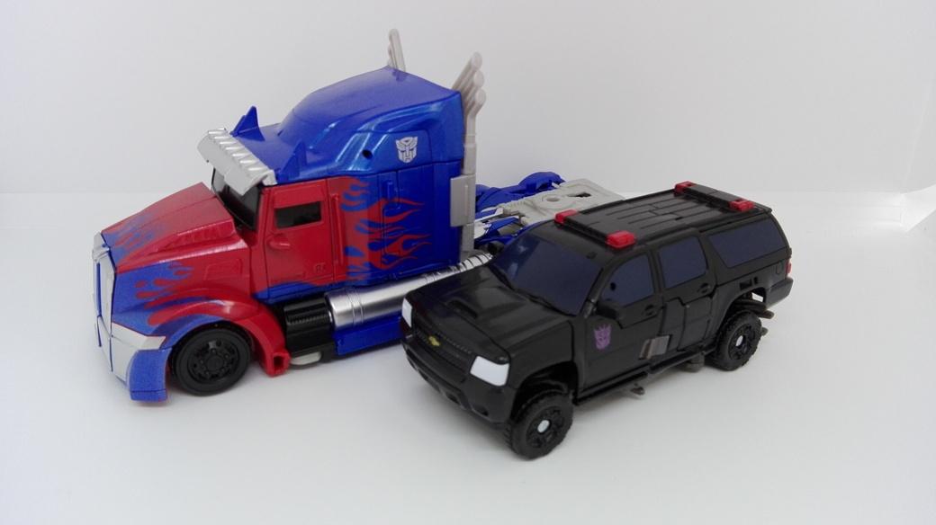 Transformers Studio Series Crowbar altmode-comparisons-3