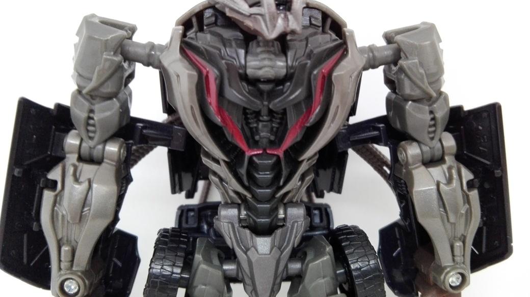 Transformers Studio Series Crowbar robot-torso