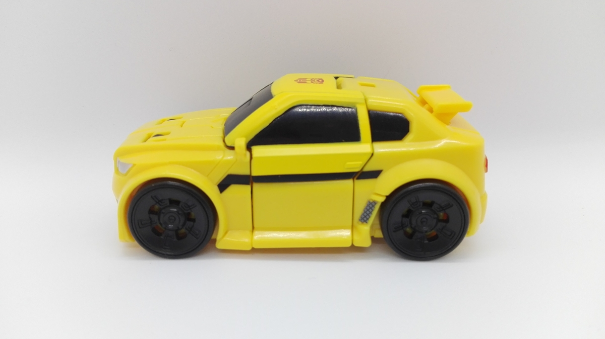 Transformers Generations Titans Return Bumblebee altmode-3