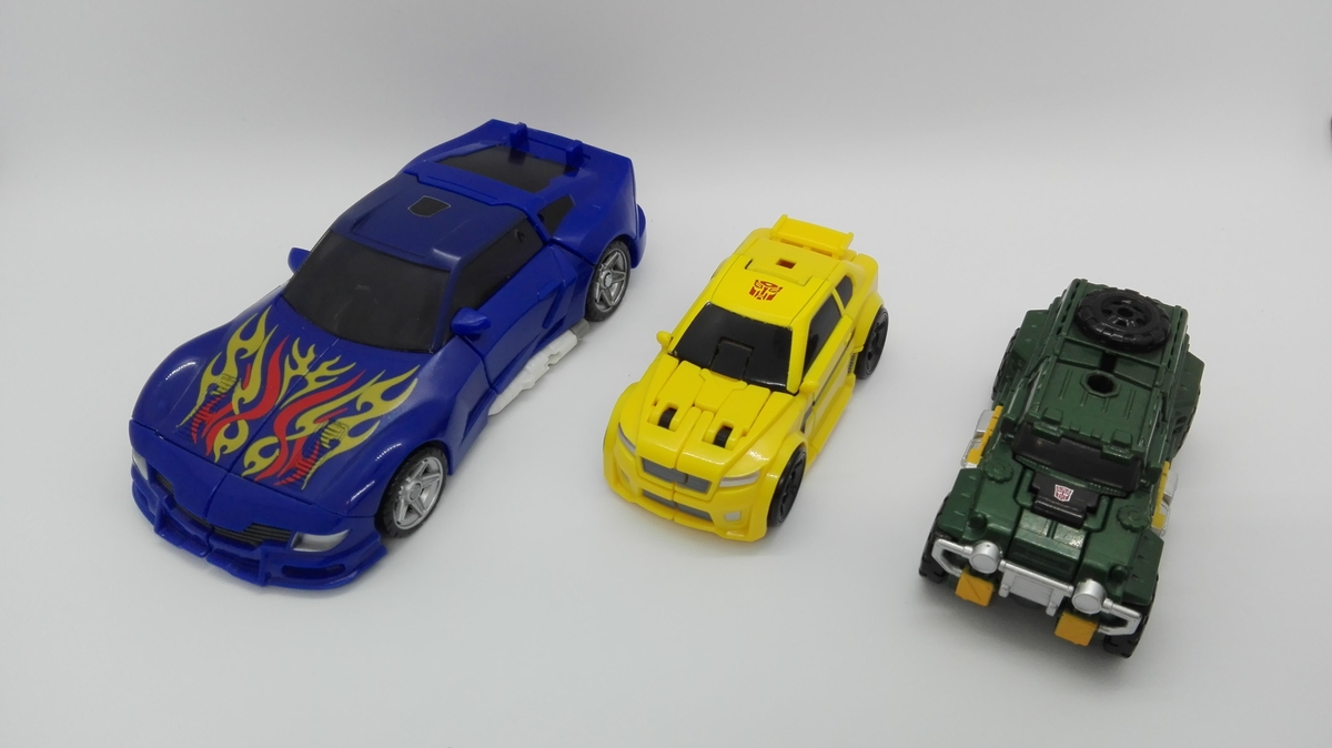 Transformers Generations Titans Return Bumblebee altmode-comparisons-1