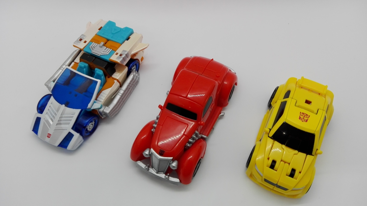 Transformers Generations Titans Return Bumblebee altmode-comparisons-2