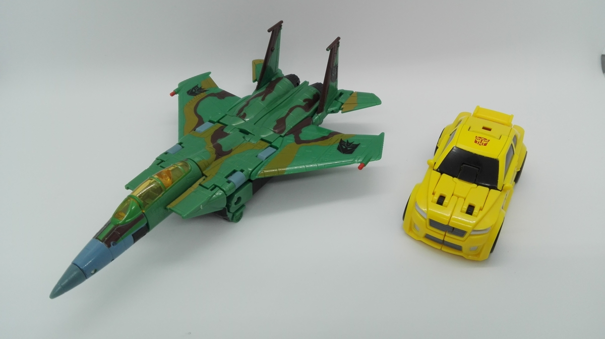 Transformers Generations Titans Return Bumblebee altmode-comparisons-3