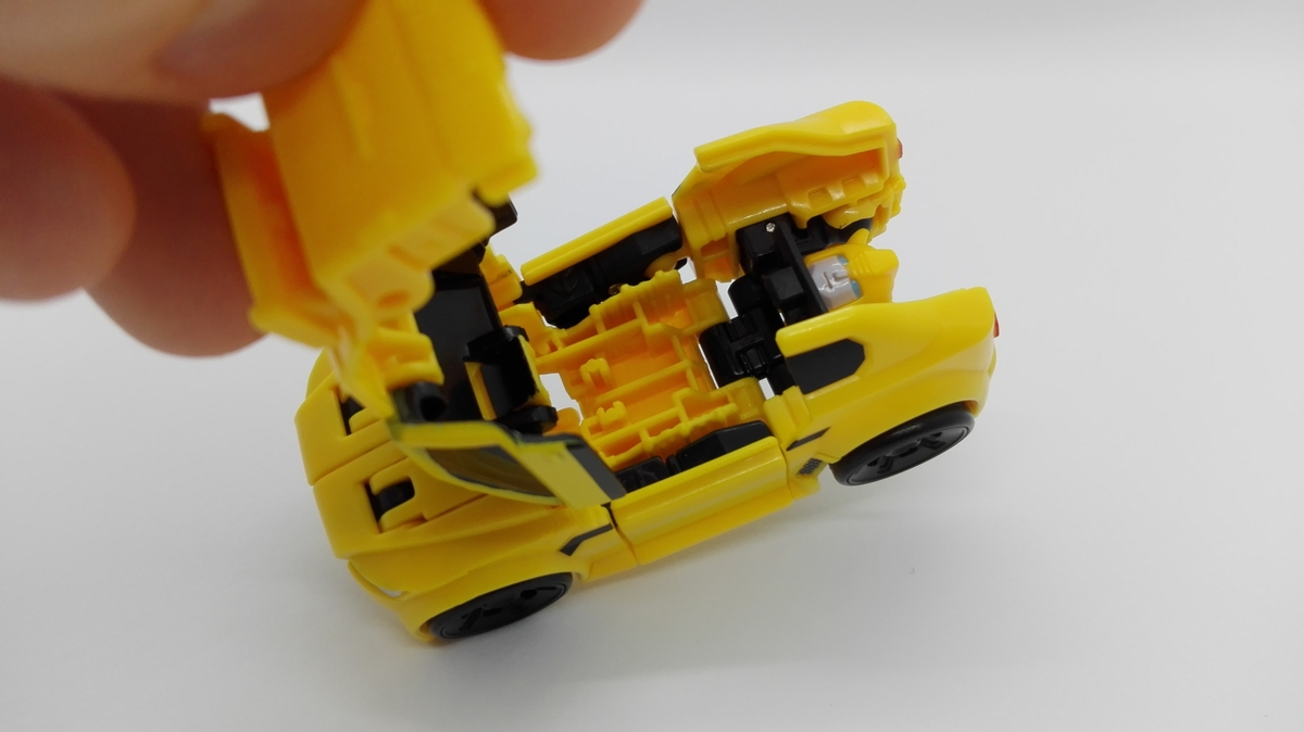 Transformers Generations Titans Return Bumblebee gimmick-2