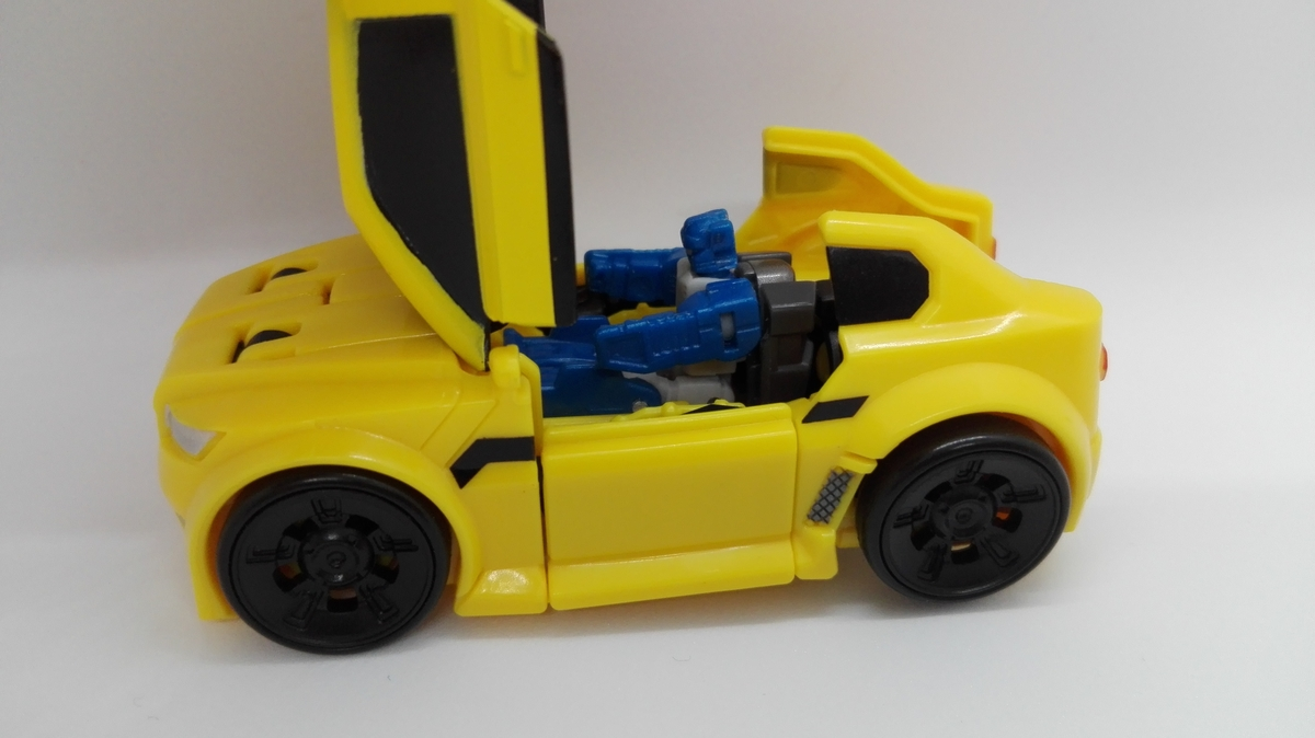 Transformers Generations Titans Return Bumblebee gimmick-3