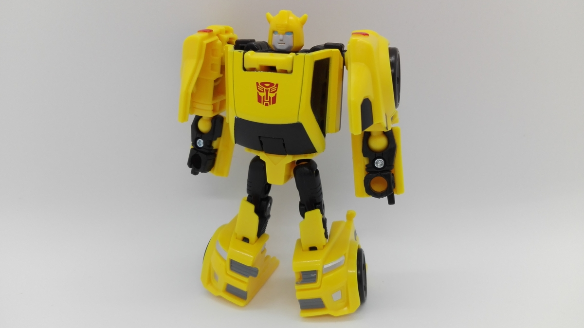 Transformers Generations Titans Return Bumblebee robot-1