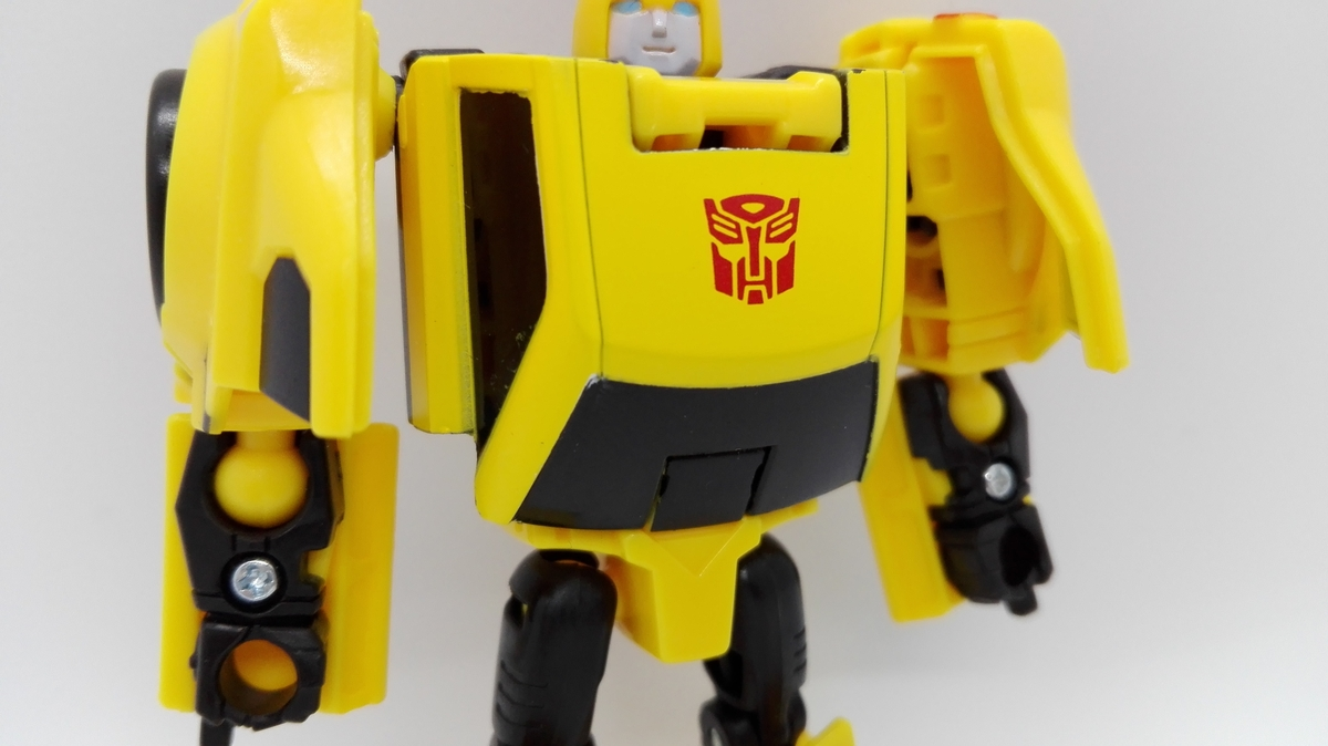 Transformers Generations Titans Return Bumblebee robot-7