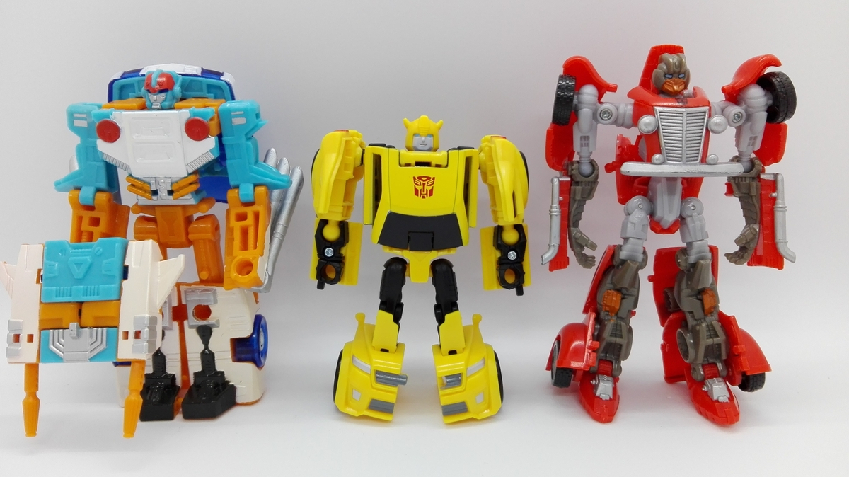 Transformers Generations Titans Return Bumblebee robot-comparisons-2