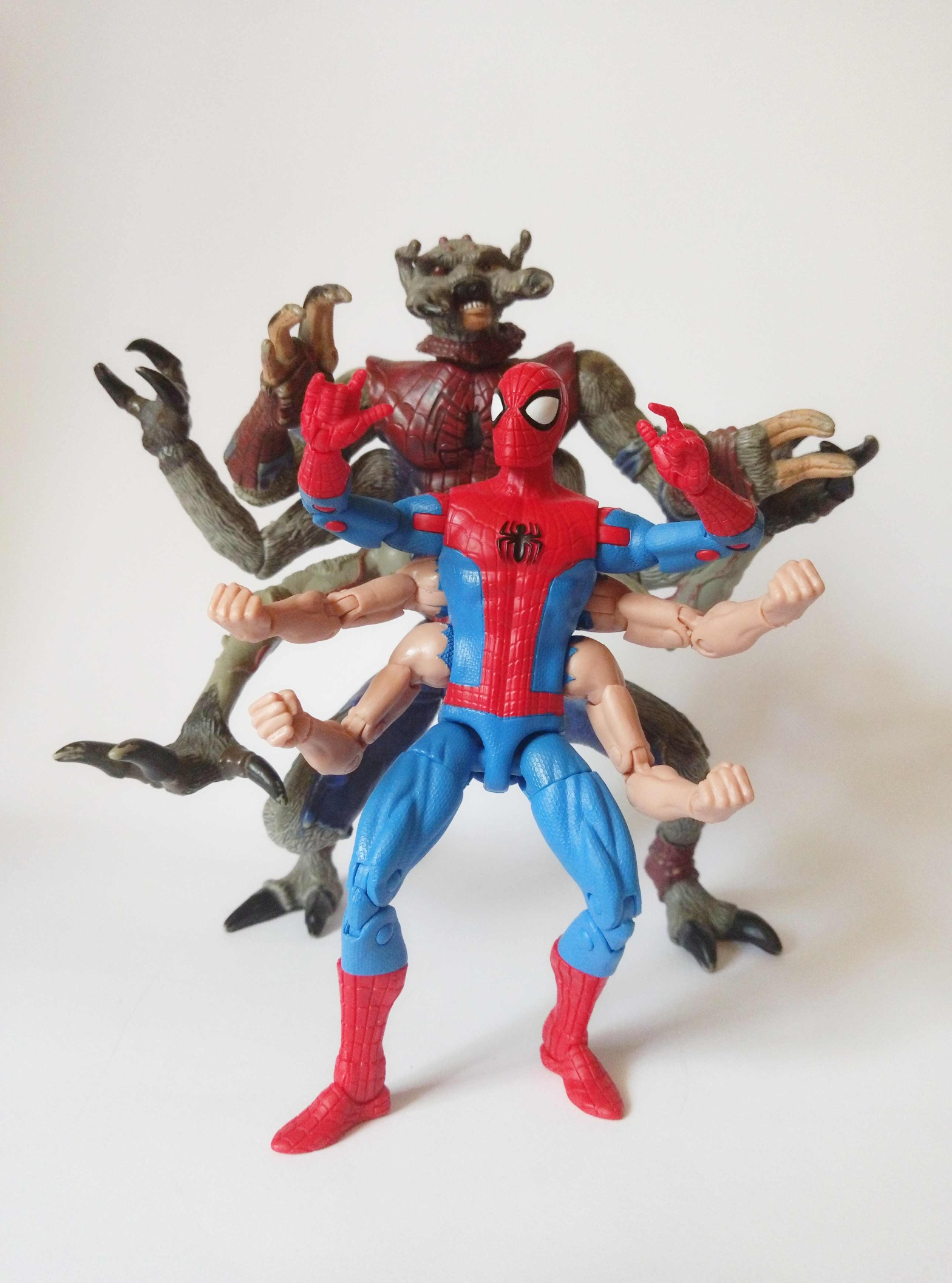 Marvel Legends Sixarms Spiderman vs. Marvel Legends Man-Spider
