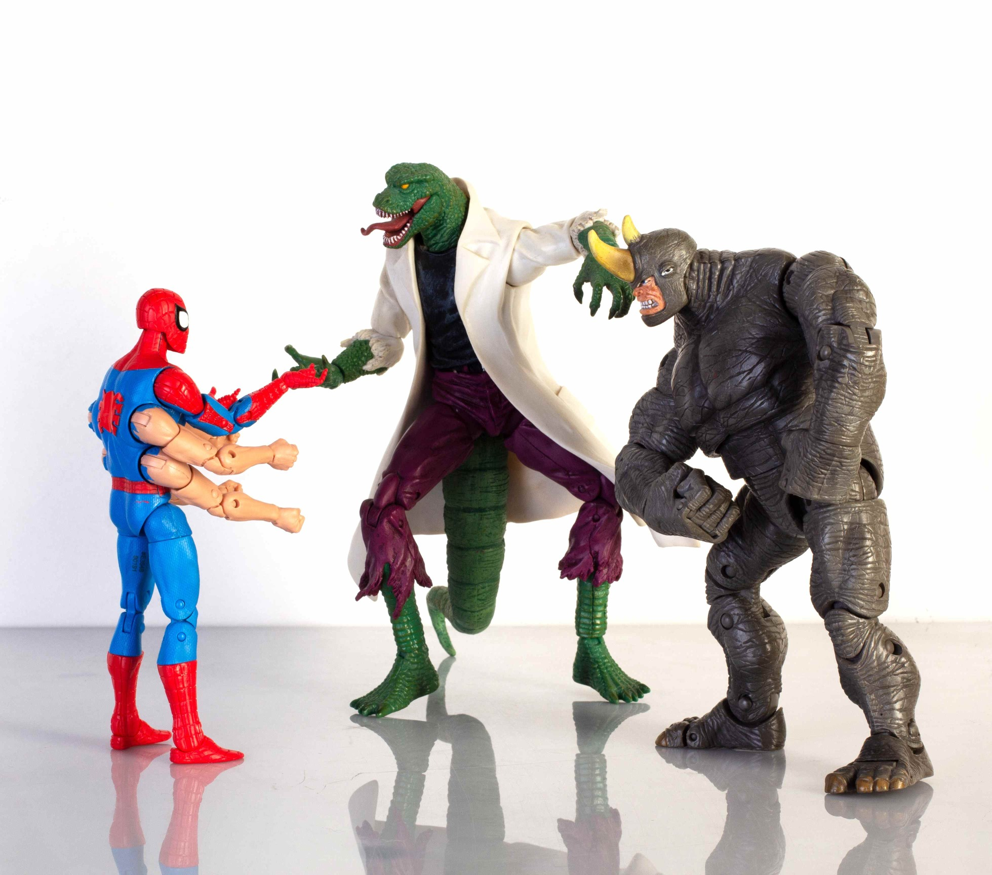 Marvel Legends Sixarms Spiderman vs. Marvel Select Lizard i Marvel Legends Rhino.
